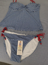 Ladies swim wear / beach wear