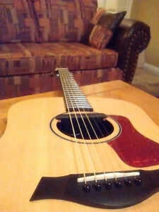 Taylor acoustic guitar and amp combo Kitchener / Waterloo Kitchener Area image 2