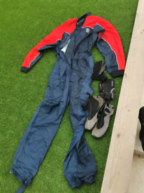 Spray suit wetsuit shoes and gloves