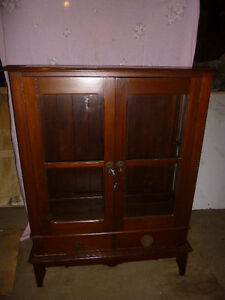Gorgeous China display cabinet