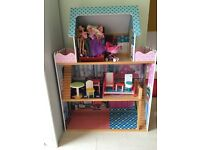 Large Doll / barbie doll house