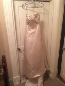 gold wedding dress size 10 Peterborough Peterborough Area image 4