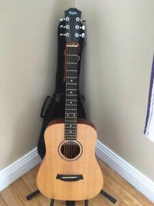 Taylor Acoustic Guitar (Traveller Size)