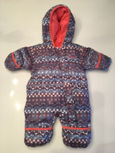 Columbia Infant 0-3 months Duck Down Snowsuit and hat