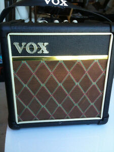 Ready To Play? VOX MINI5 Amp And Busking Set-Up For Sale