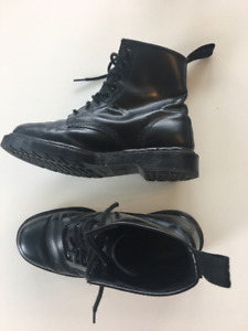 Dr Martens black leather boots