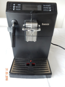 Saeco Minuto full automatic coffee machine, Model HD 8775.