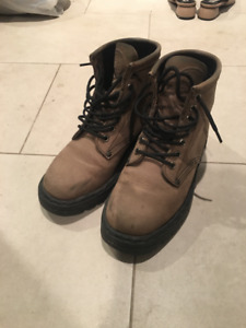 Roots Boots in good condition