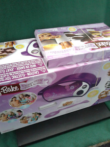 Vintage Easy bake oven Showroom Condition bought used twice