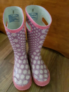 Bogs rubber boots size 1 girls