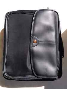 Targus Laptop Bag. Peterborough Peterborough Area image 1