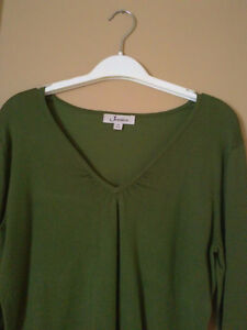 Women's Jessica Sears cable knit green sweater v-neck Size 4-6 London Ontario image 1
