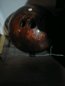 Ladies 10pin bowling ball and rack