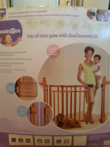 Baby Stair Gate with Dual Banister Kit