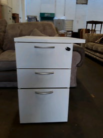 Small lockable office drawers £10