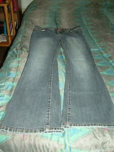 Woman's Jeans Stratford Kitchener Area image 4