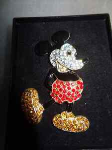 Disney MIckey Mouse Black Enamel Vintage Brooch with Rhinestones Edmonton Edmonton Area image 1