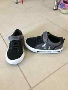Various Boy Toddler Shoes - $5 to $15 - Sizes 6, 7, 9 Kingston Kingston Area image 3