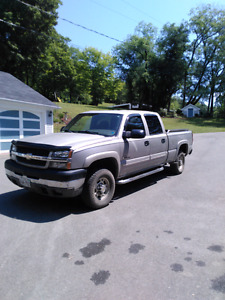 2004 chevrolet 2500 hd one owner!