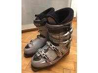 Tecnica Ski boots, size 9/10 324mm