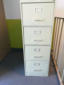 4 drawer cabnet need gone ASAP