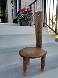 Chaise antique fait à la main