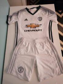 Manchester United clothing bundle