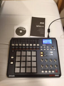 MPD 32 MIDI/USB CONTROLLER BARELY USED MINT CONDITION