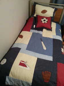 Brand new comforter set size twin