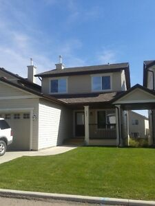 Airdrie 2 Storey Townhouse single garage, no trucks