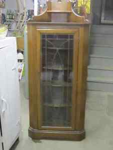 CIRCA 1920 HONDERICH WALNUT CORNER CHINA CABINET BOOKCASE $300