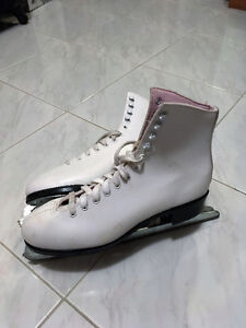 WOMEN'S FIGURE SKATES sizes 7, 10 and 10-11