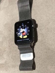 Apple watch série 1   (42) gris foncé