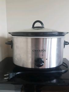 Crockpot never used. 30$