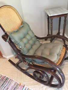 ROCKING CHAIR - a necessity for the new MOM!