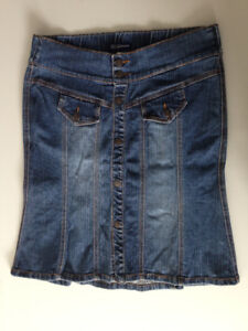 THYME MATERNITY JEAN SKIRT SIZE SMALL