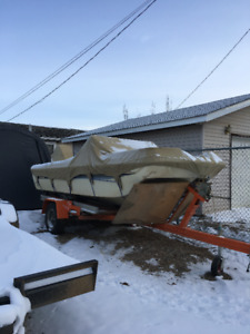 1985 Rinker boat and Trailer