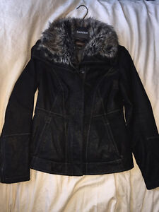 DANIER Leather Jacket With Faux Fur Collar (Gently Used)