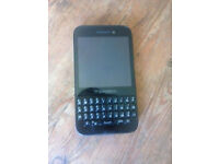 Blackberry Q5 on o2/giffgaff - runs android apps - £40 ono