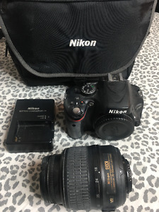 SELLING NIKON D5100 - WITH ACCESSORIES + 18-55 LENS