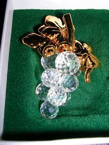 Swarovski. 10 Crystal Grape Cluster, Pin Brooch