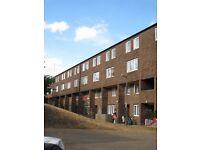 5 bedroom flat in Dowdeswell Close, Roehampton, SW1