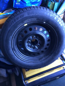 1 Spare tire Michelin p 225/60/16 l/n 90% tread