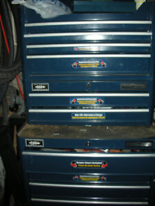 MasterCraft tool chest in blue