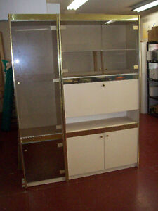 Lighted shelving / display unit