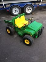 SOLD - John Deere GATOR 4X2 by Peg-Perego