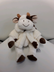 MOOELLA PLUSH COW BY RUSS BERRIE