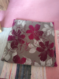 FREE Cushion covers 55x55cm flower design
