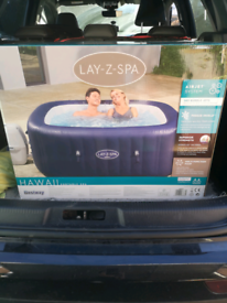 Brand new Hawaii 4-6 person hot tub (rrp £695)