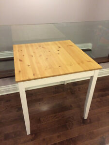 IKEA LERHAMN dining table (perfect and clean condition)